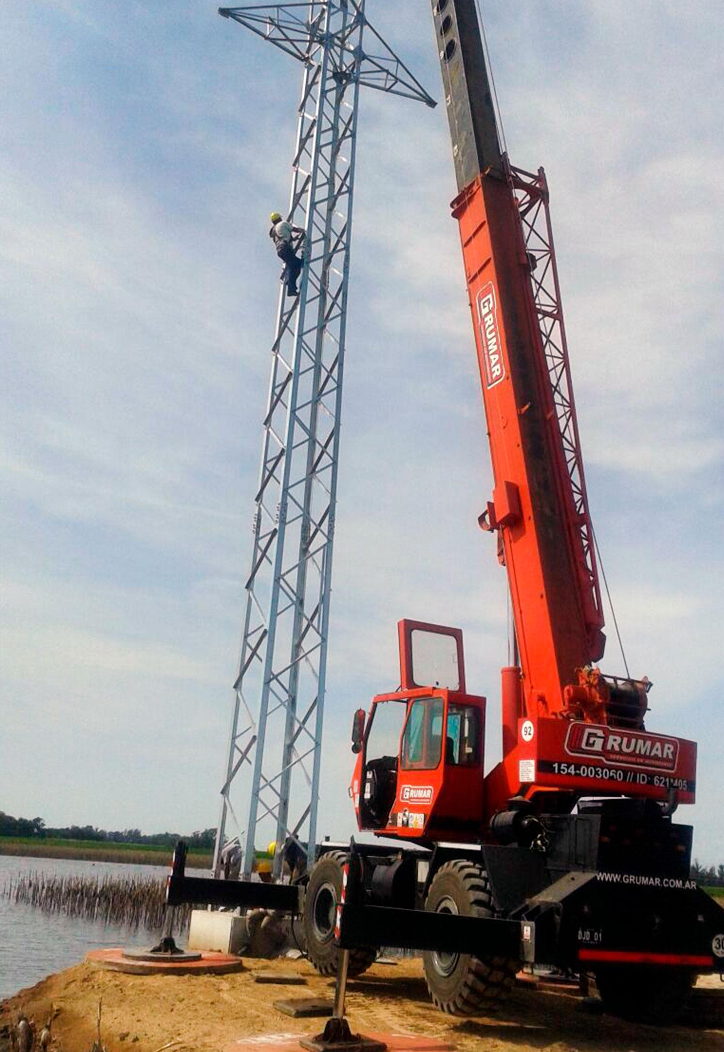 Montaje torres media tensión